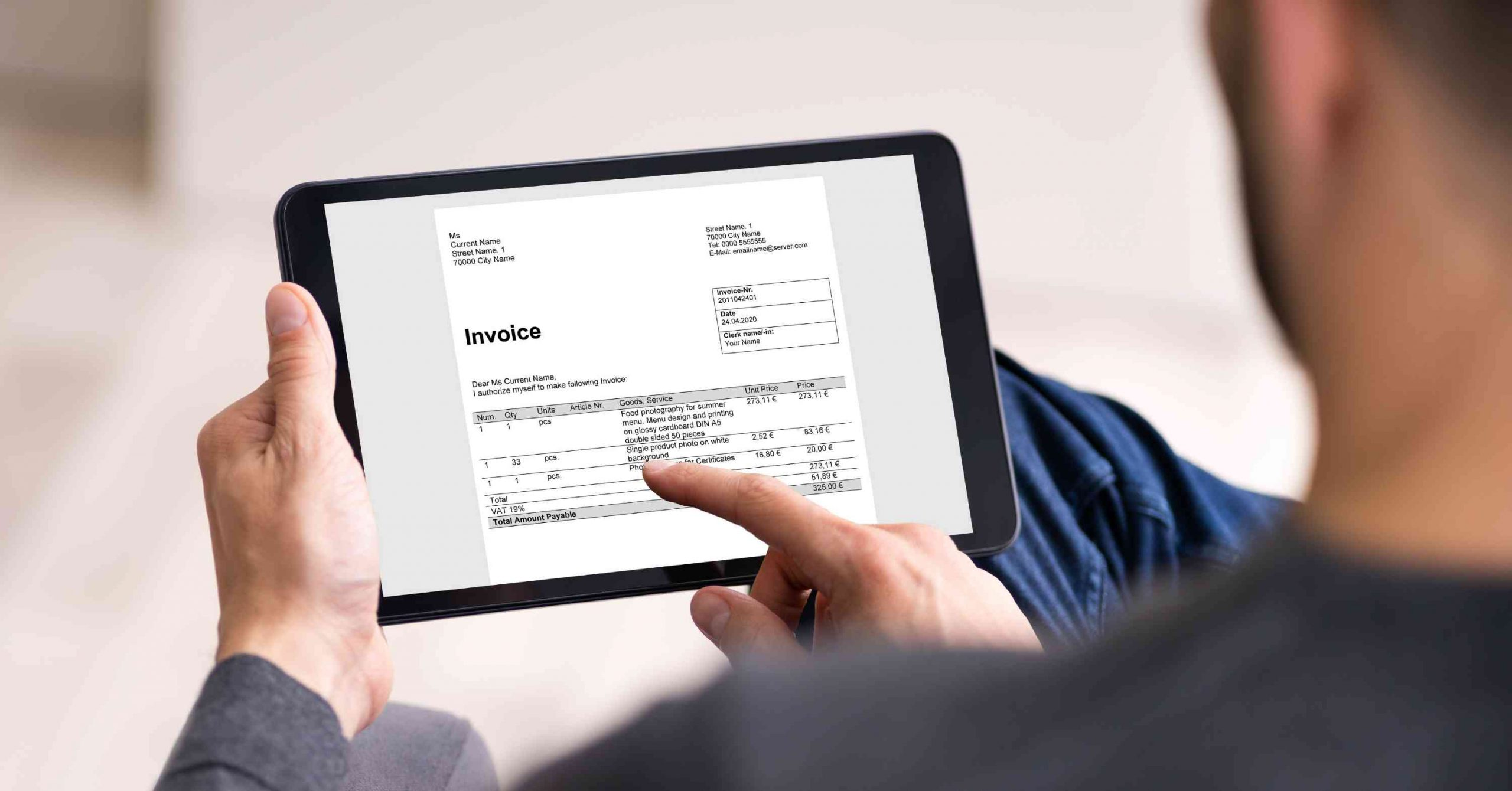 Integrating Quickbooks with a BeSpoke CRM